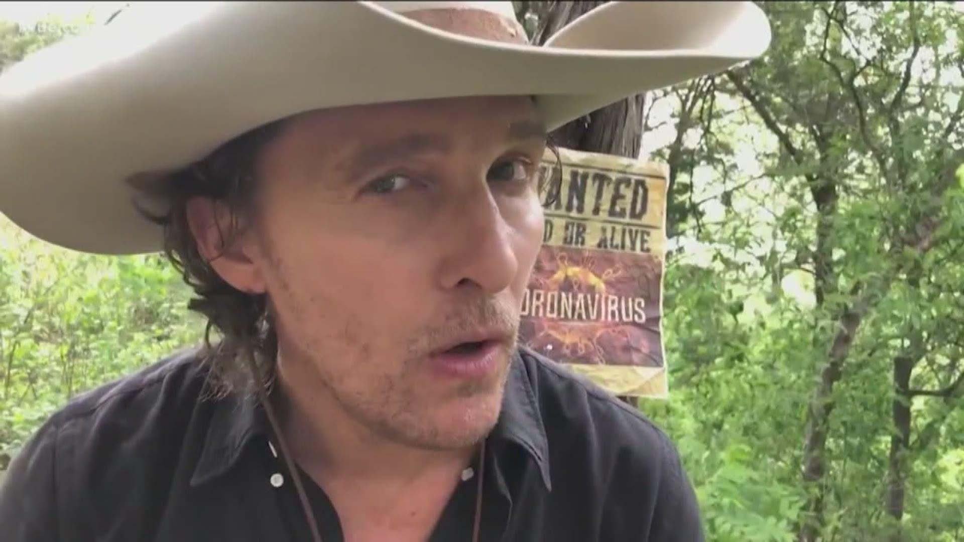 Техасский бандит Мэттью Макконахи показал, как делать маску