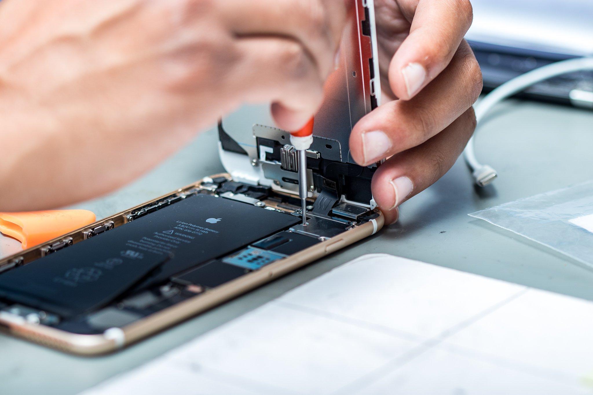 УApple дефицит запчастей для ремонта iPhone иiPad