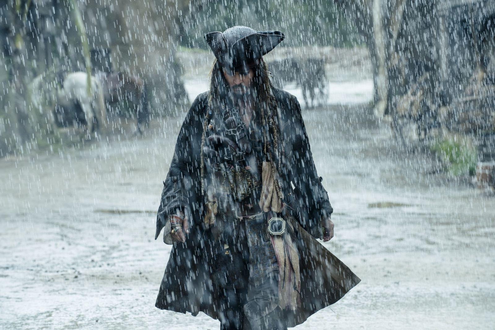 37 неудобных вопросов к фильму «Пираты Карибского моря 5»
