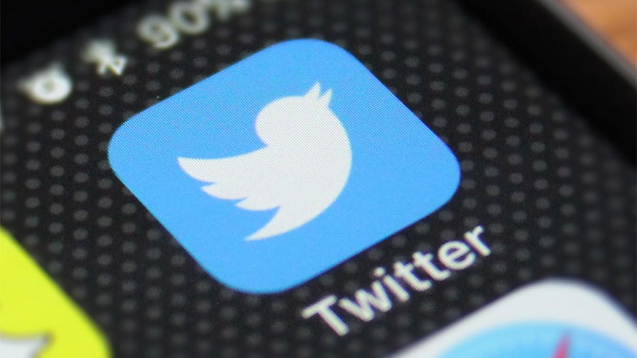 Роскомнадзор: Twitter начал удалять запрещенный контент, но темпы «неудовлетворительные»