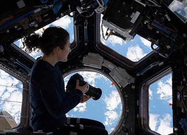 25 зрелищных фотографий космоса, сделанных NASA