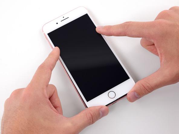 Возмутительно! Apple может блокировать iPhone с неоригинальными деталями