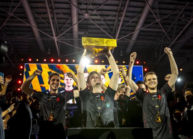 Xyp9x разминировал бомбу за секунду до... Astralis выиграла свой последний турнир года по CS:GO
