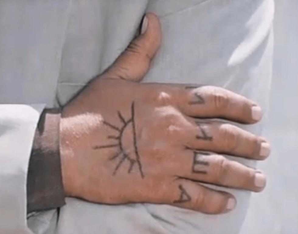 Девушка решила узнать, окаких татуировках мечтали ееподписчики