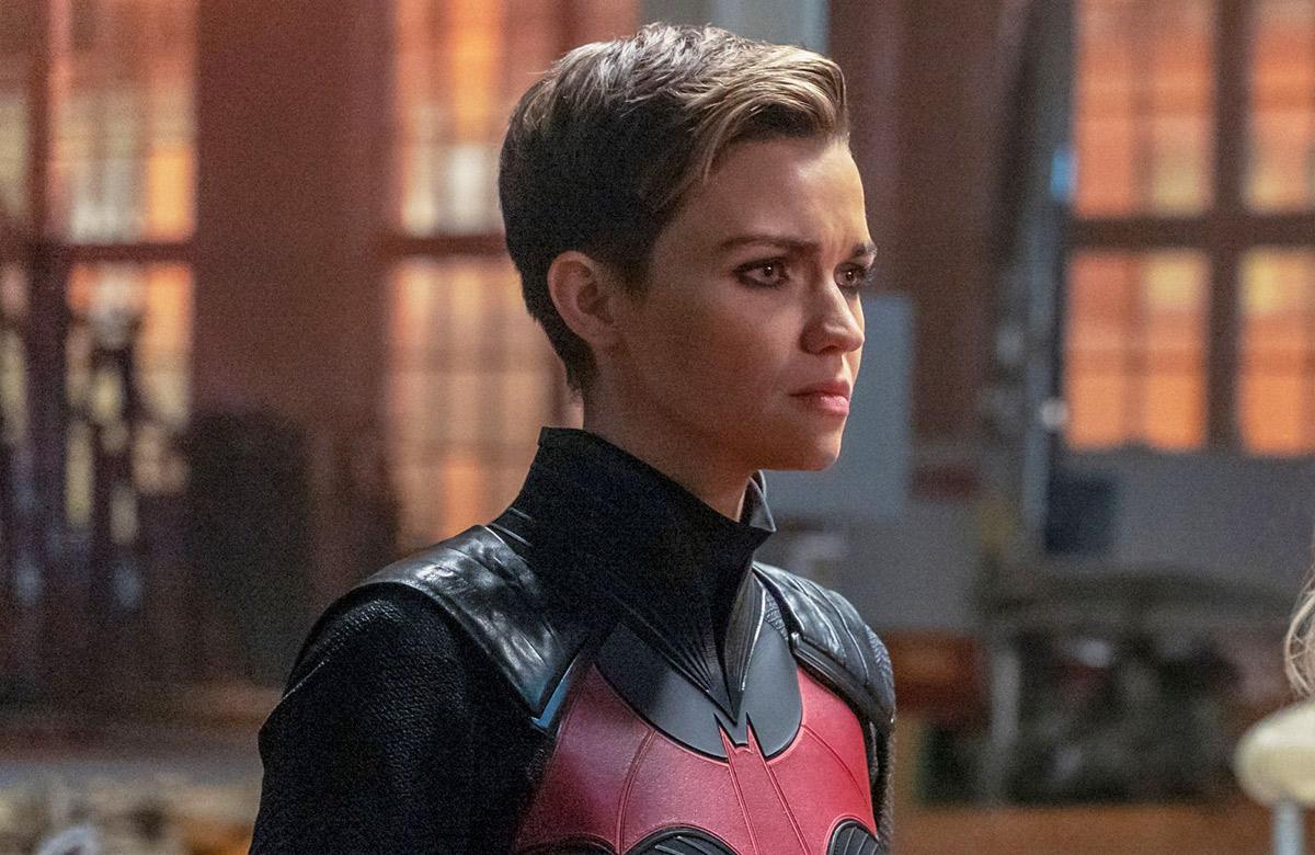 Шоураннер «Бэтвумен» опровергла слух, что героиню Руби Роуз убьют