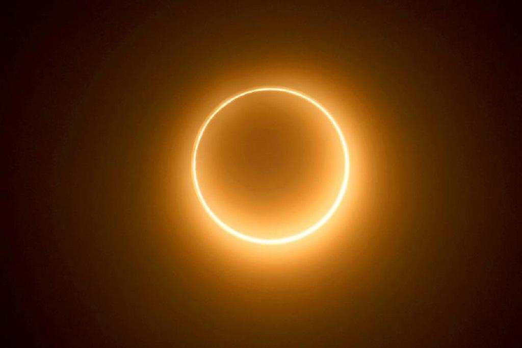 20 лучших фотографий солнечного затмения 21июня, которое вымогли пропустить