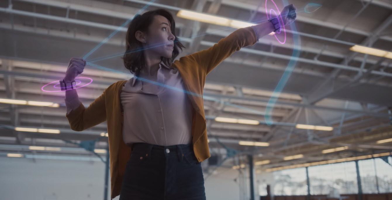 Facebook показала браслеты снейроинтерфейсом для виртуальной идополненной реальности