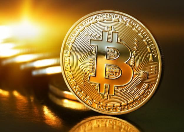Если пройдете игру MonteCrypto первым, то вам подарят Биткойн. Это почти $10000!