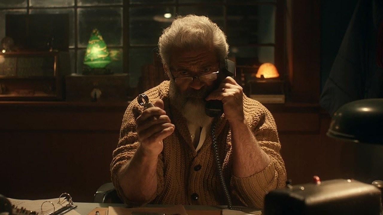 Критики дали неоднозначную оценку мрачной комедии «Охота на Санту-Клауса» с Мэлом Гибсоном