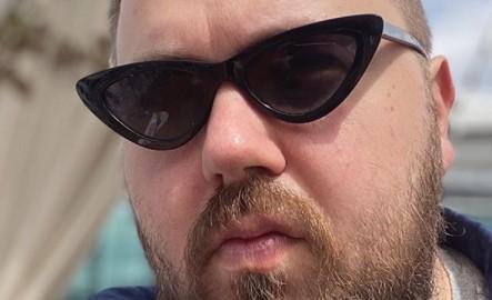 «Гейский ремешок»: подписчики Wylsacom недовольны часами блогера