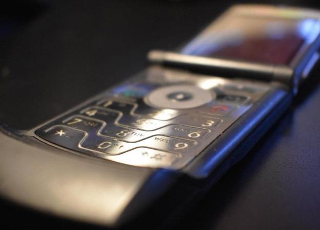 Гибкая «раскладушка» Motorola RAZR 2019 показалась напервых изображениях