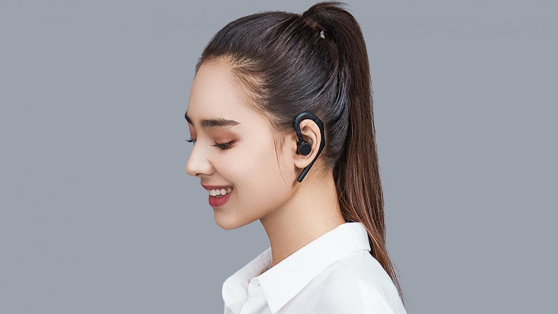 Гарнитура Xiaomi Bluetooth Headset Pro получила поддержку голосового помощника истоит 1900 рублей