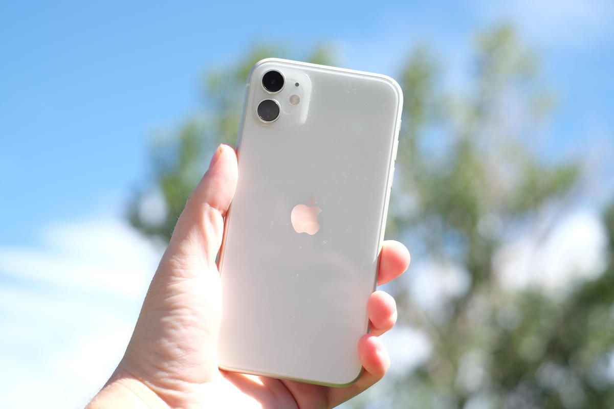 Слух: iPhone переименуют вApple Phone, аiOS вiPhoneOS