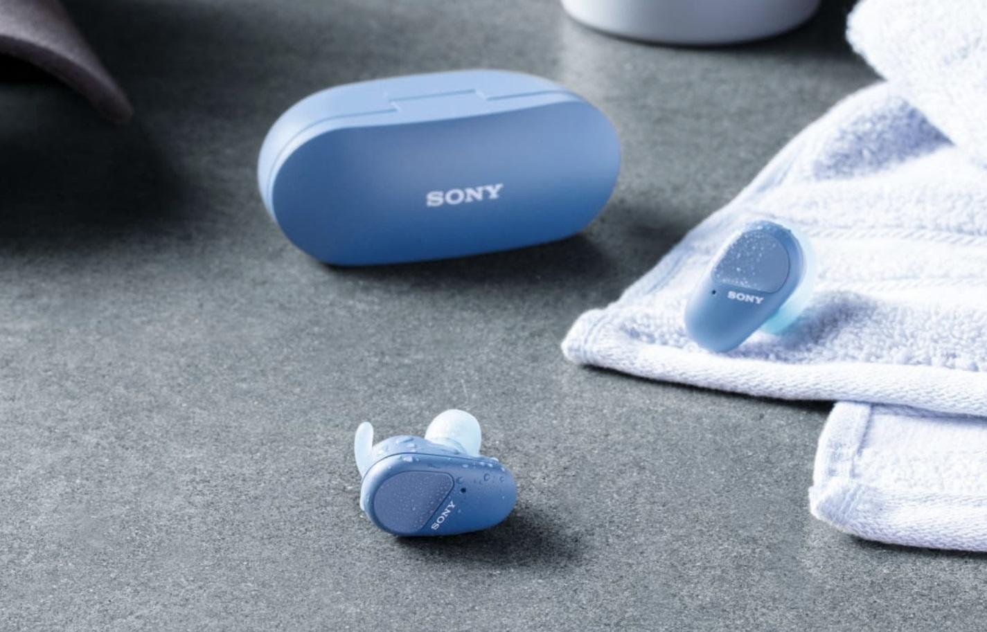 Представлены Sony WF-SP800N— долгоиграющие беспроводные наушники свлагозащитой изаушником