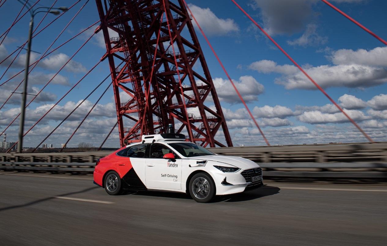 «Яндекс» представил беспилотное авто Hyundai Sonata