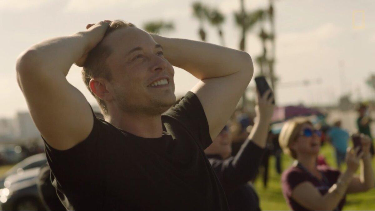 Илон Маск хотел впервые отправить людей наорбиту спомощью SpaceX, новмешалась погода