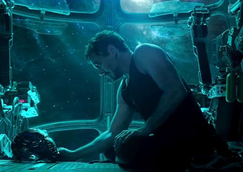 Фанаты «Мстителей 4» попросили NASA иРоскосмос спасти Тони Старка. Они откликнулись!