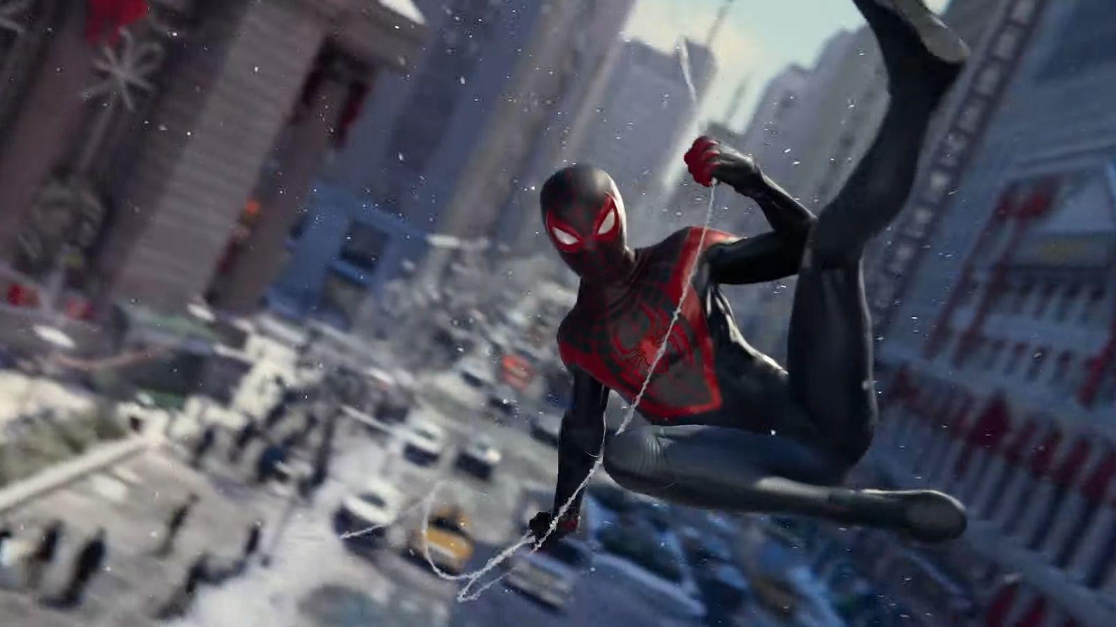 «Вот он, настоящий герой». В Spider-Man: Miles Morales можно найти памятник Стэну Ли