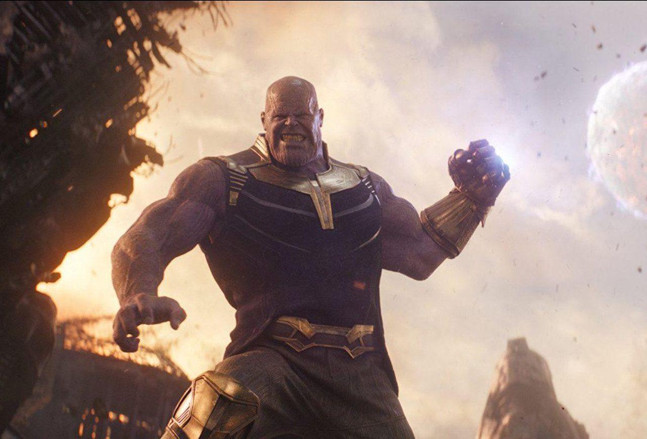 Из сценария «Мстители: Финал» убрали жуткую сцену: Танос бросал Капитану Америка голову другого Кэпа