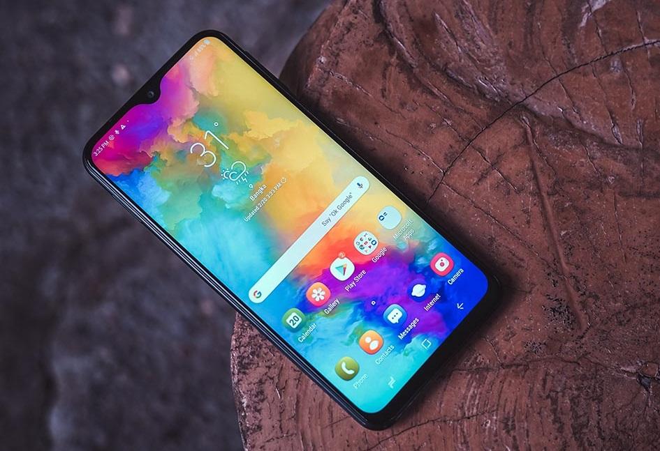 ВРоссии представили смартфон Samsung Galaxy M01— конкурент доступных Xiaomi, Redmi иRealme