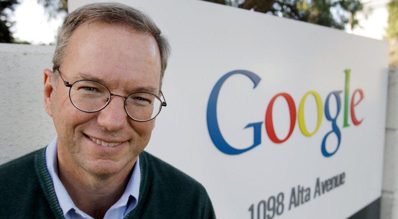 Бывший генеральный директор Google назвал социальные сети «рупором для идиотов»