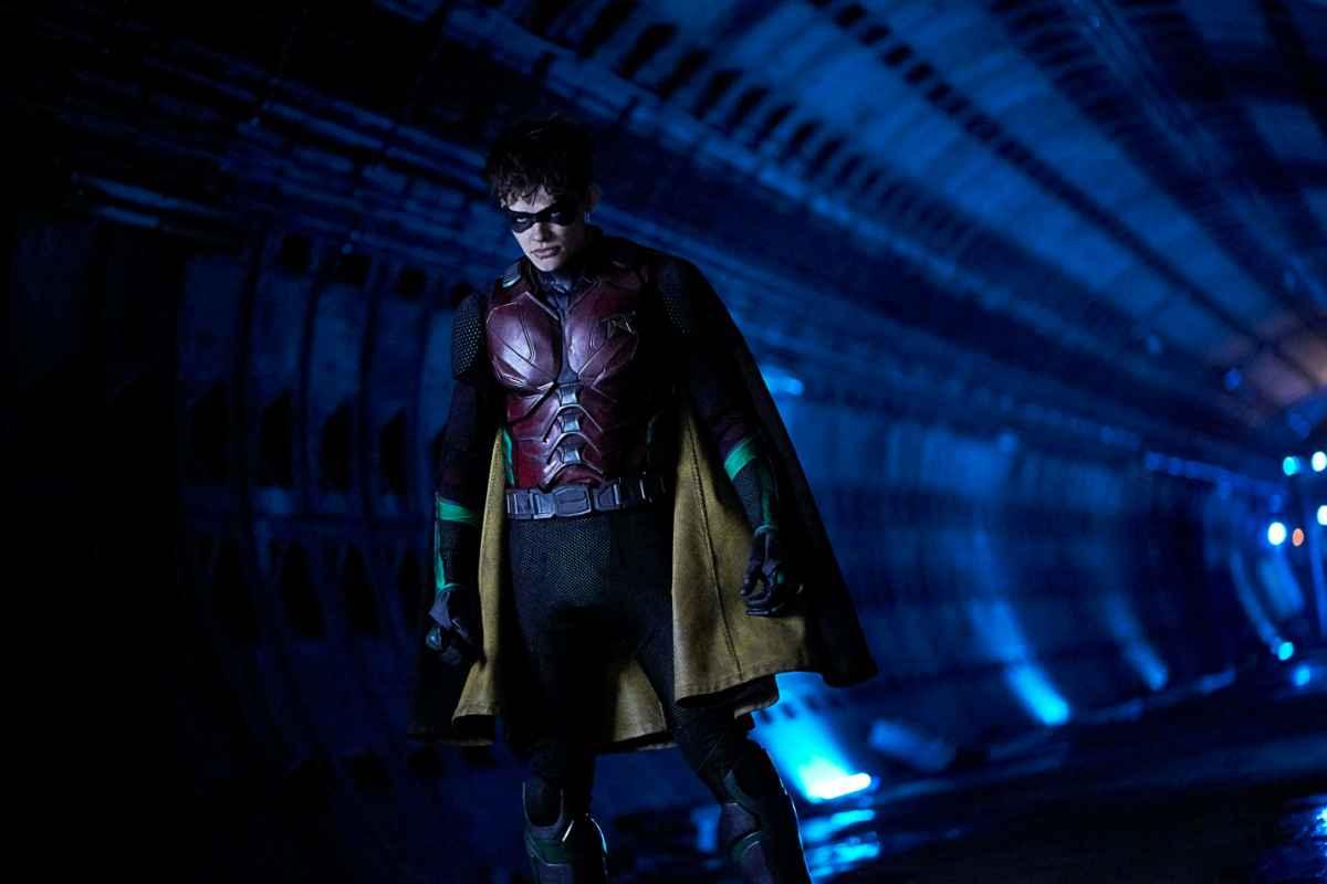 История повторяется. Фанаты DCдолжны решить,умретли Робин в«Титанах» или нет