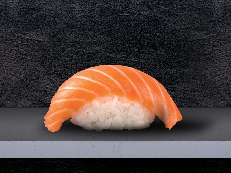 Тайваньцы начали менять имена на «лосось» ради бесплатных суши по акции