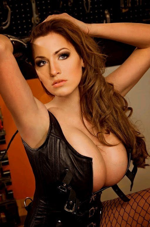 Free sexy latino hoochies pictures