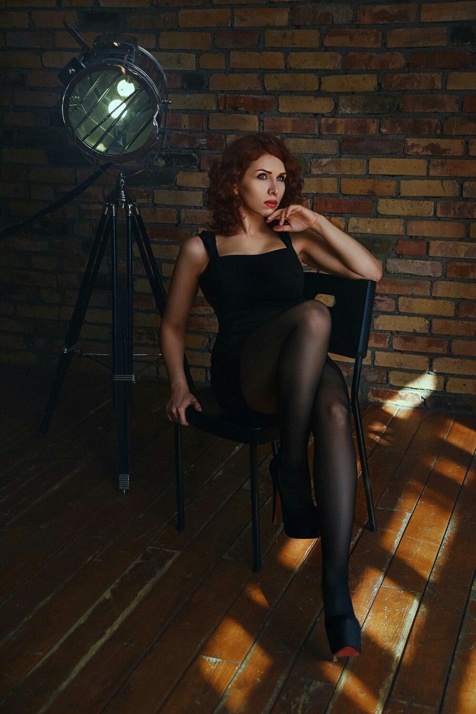 svyazali-v-kolgotkami-porno-foto-pyanoy-ksyushi