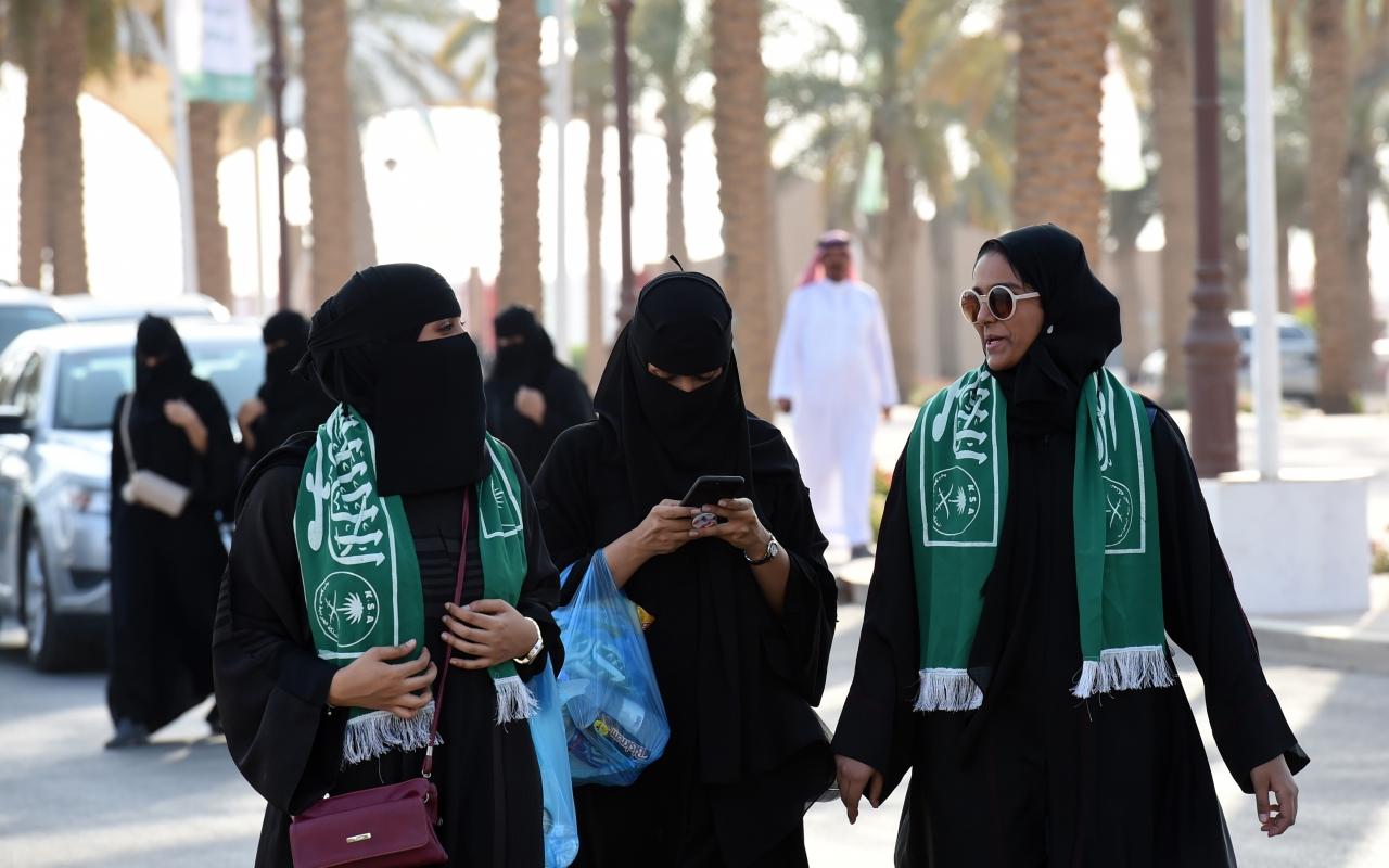 как живут люди в саудовской аравии фото будем совершать