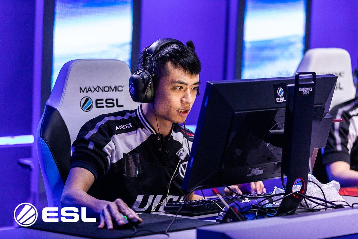 Китайский игрок по CS:GO необычно держит мышку  И это работает! | Канобу
