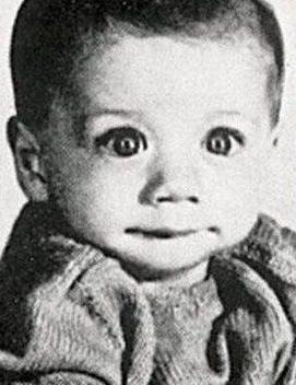 Детская фотография этого, без сомнения, известного всем и каждому человека настолько шокирует, что ненароком вкрадыв .... - Изображение 1