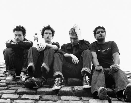 Sum 41 - канадская панк-группа из города Аякс, Онтарио, основана в 1996 году. Текущий состав группы: Дерик Уибли (во .... - Изображение 1