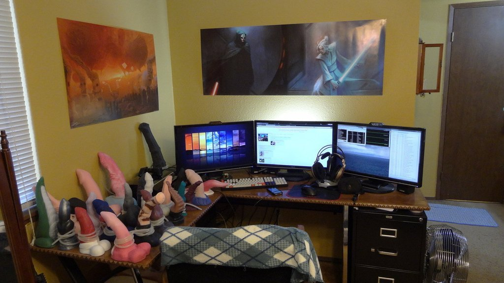 Девушка-геймер и её игровая комната. - Изображение 2