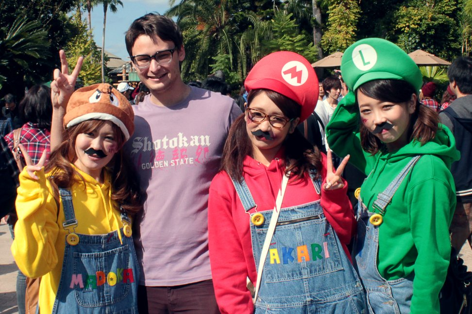 Марио-девочки на улицах Японии. - Изображение 1