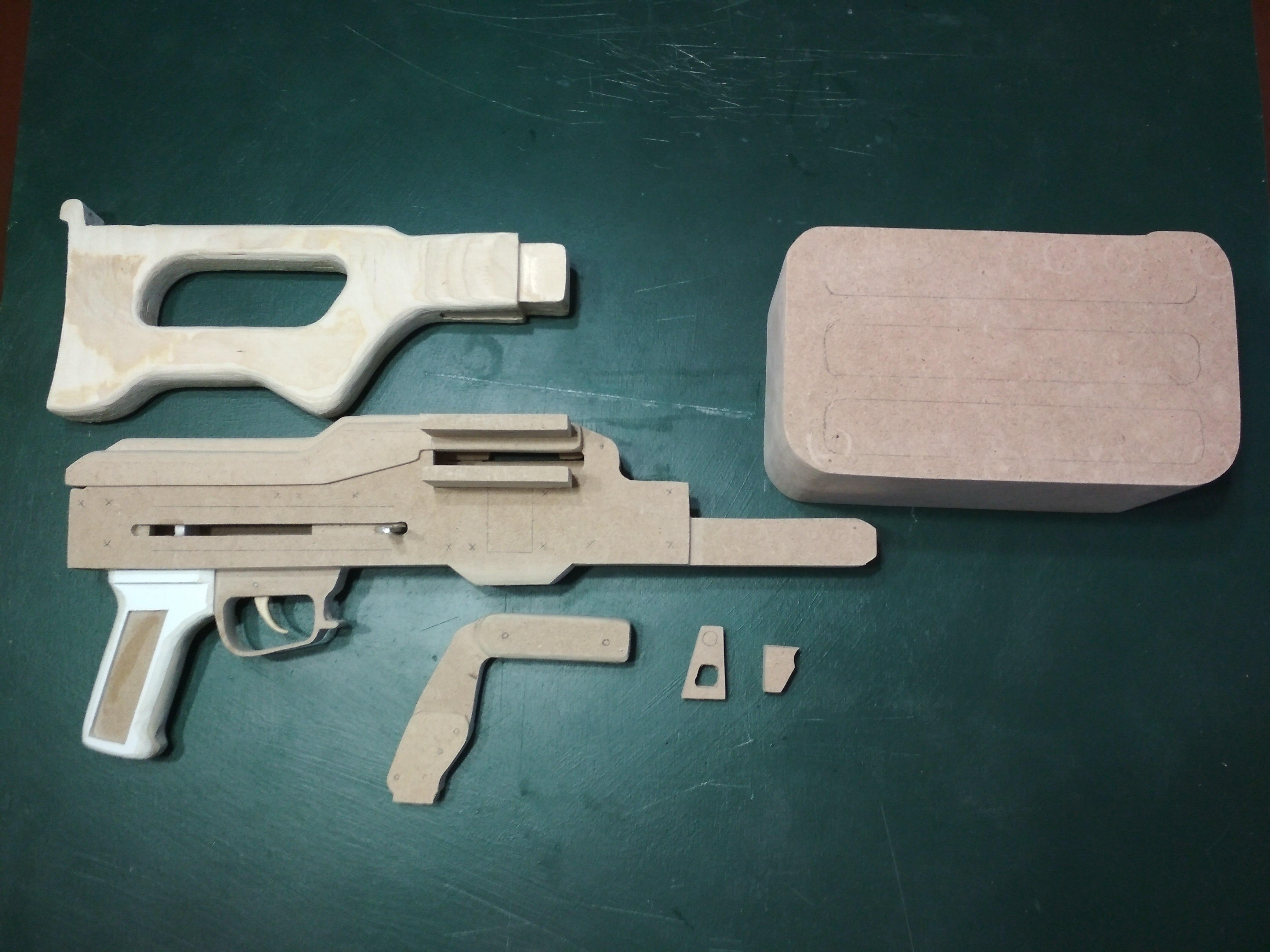 Игрушка-макет Пулемёта Калашникова из дерева. - Изображение 5