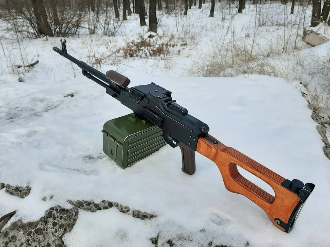 Игрушка-макет Пулемёта Калашникова из дерева. - Изображение 1