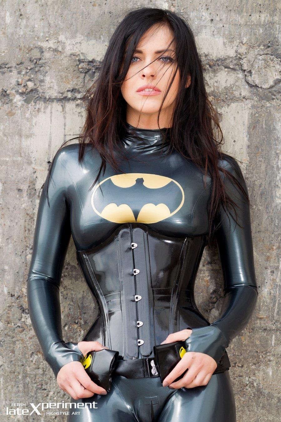 Batgirl#injustice. - Изображение 2
