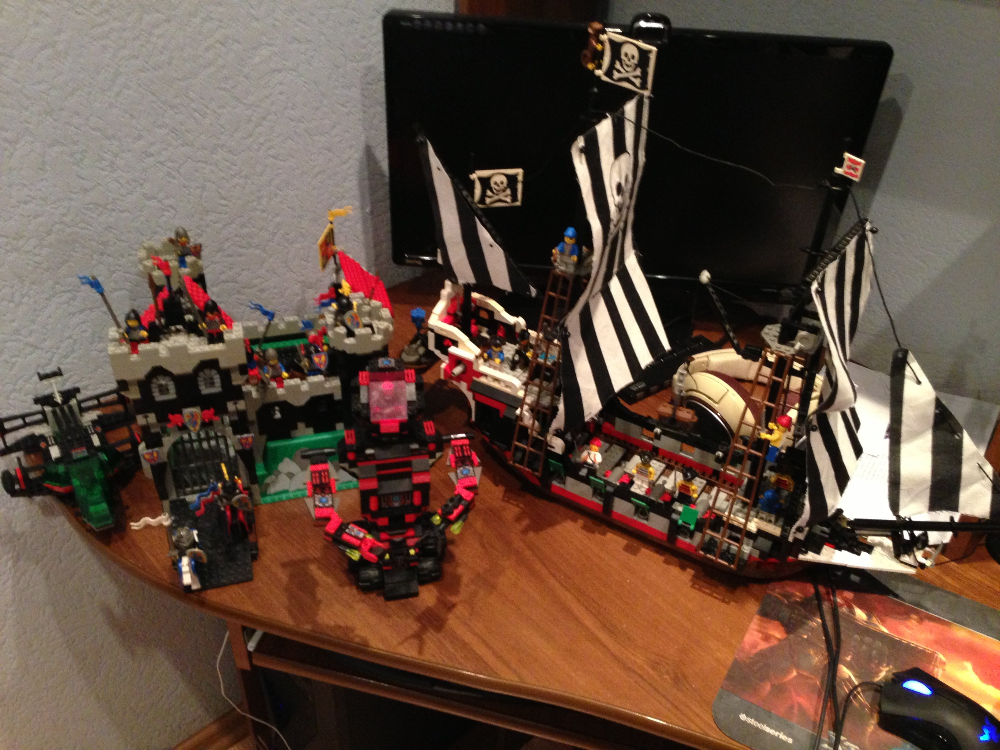 Посмотрел трансляцию LEGO City Undercover, и на столько бомбануло, что достал Lego с балкона, где оно хранилось в те .... - Изображение 1
