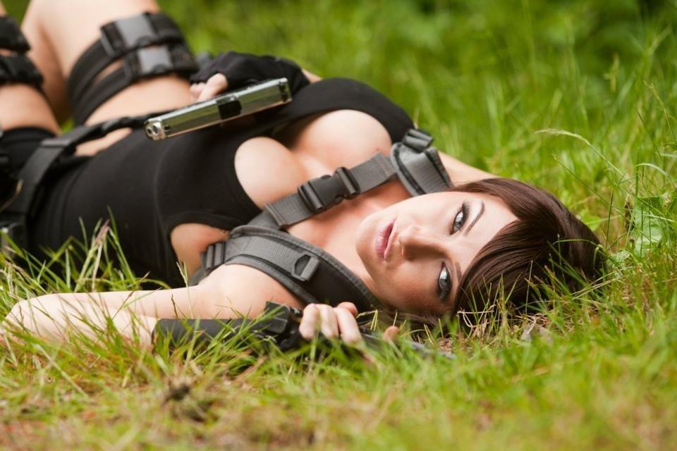 Сценарист Tomb Raider (2013),  Рианна Пратчетт, заявила, что хотела сделать из Лары лесбиянку. . - Изображение 3
