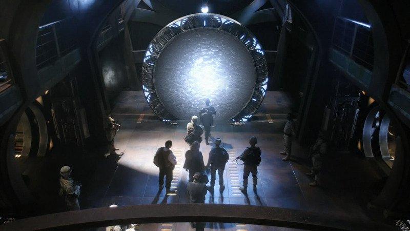 Ей, по Звездным Вратам снимут 3 фильма, правда это будет перезапуск... но уж лучше так, чем никак, верно?. - Изображение 1